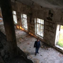В разрушенном цеху. Фото Дмитрия Буткевича.