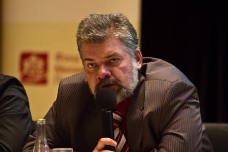 Владислав Толстов