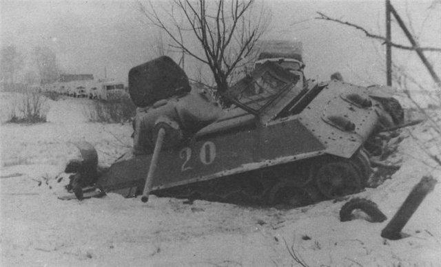 Тот же танк Лукина, снятый с другого ракурса.
