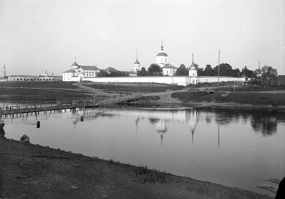 Отроч монастырь в Твери, конец XIX века