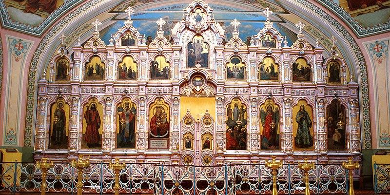 Иконостас в храме Преображения господня в д.Саввино