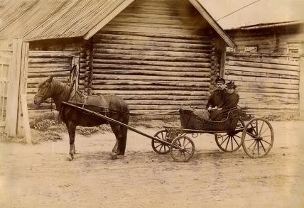 Конная повозка. Тарантас. Распространена в начале, серелине 19 века