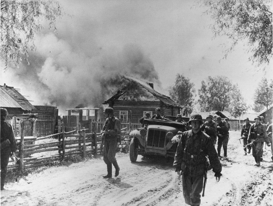 Пожары выгоняли немцев из захваченных деревень на мороз