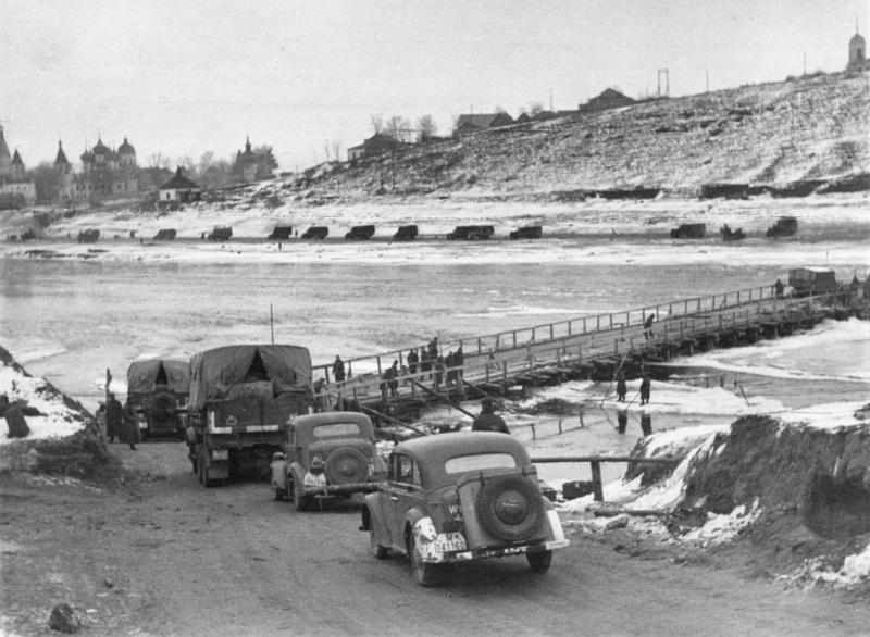 Ноябрь 1941 года. Немецкие войска входят в г.Старицу